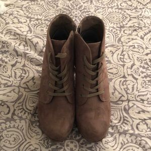 Rampage size 6.5 booties